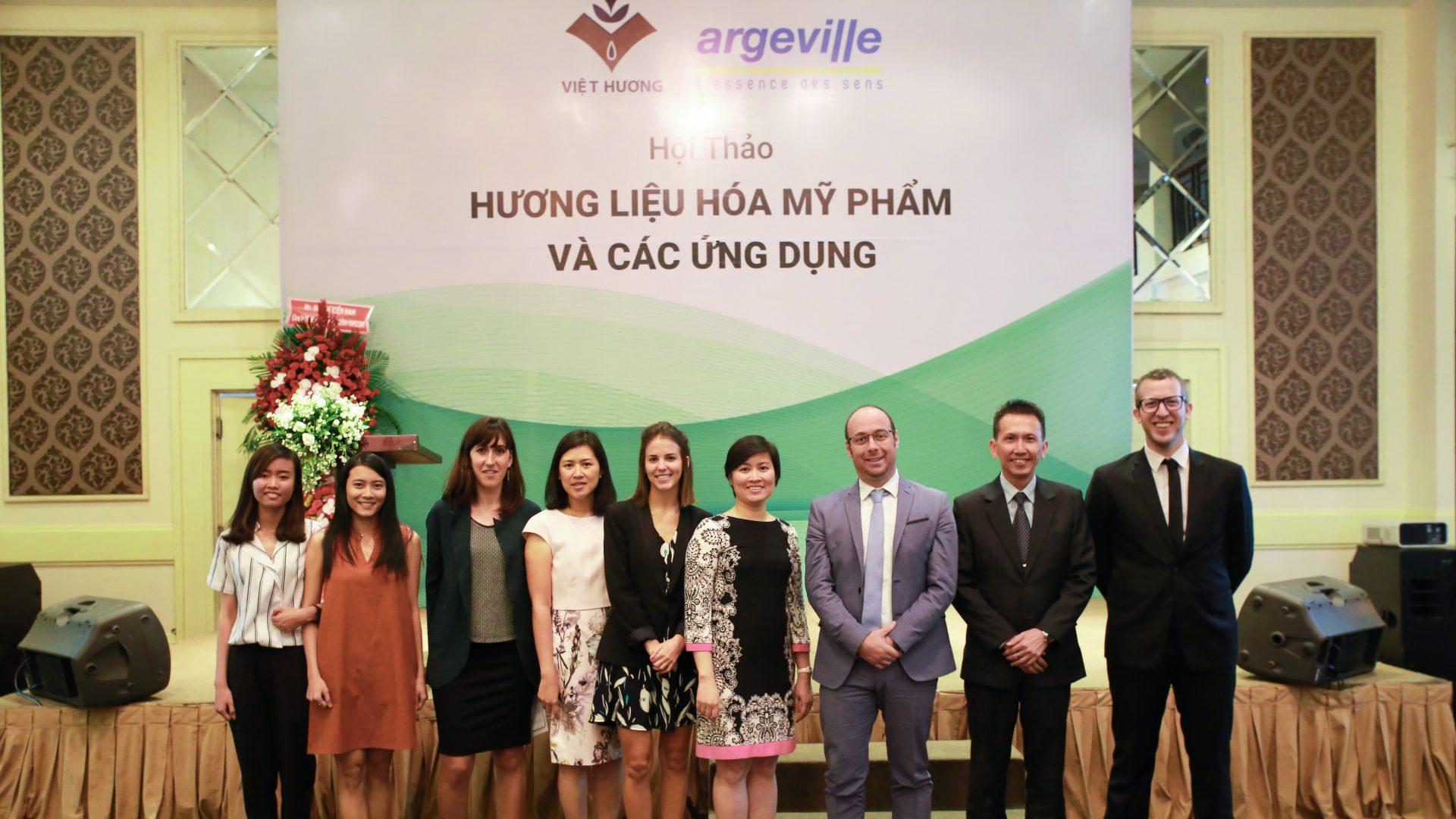 Công ty hương liệu Việt Hương tổ chức hội thảo 2018