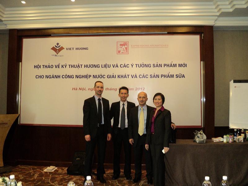 Việt Hương Tổ Chức Hội Thảo Kỹ Thuật 2012