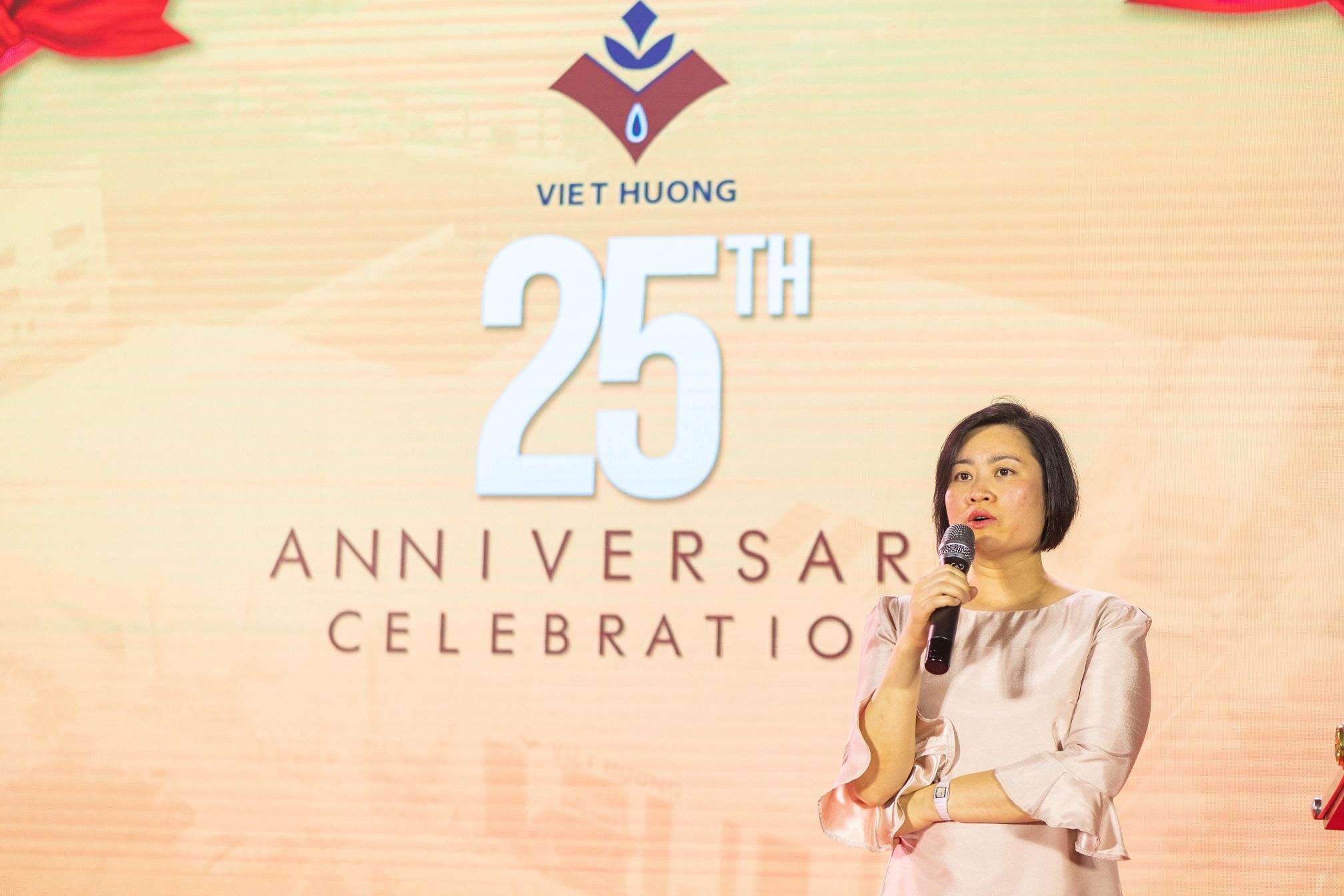Ms Nguyễn Thúy Quỳnh phát biểu 25th anniversary